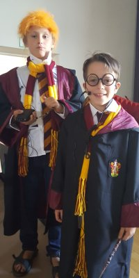 Harry Potter und Ron Weasley